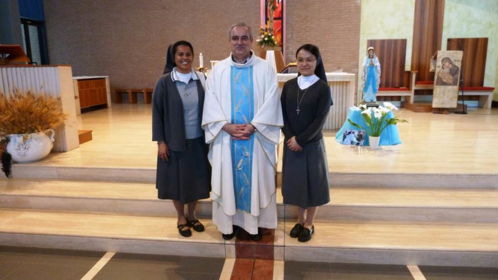 Mandato alle catechiste della parrocchia 31mag16 (1)