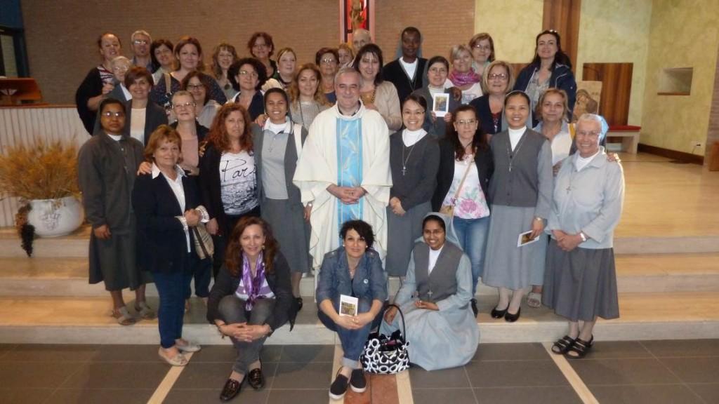 Mandato alle catechiste della parrocchia 31mag16 (2)