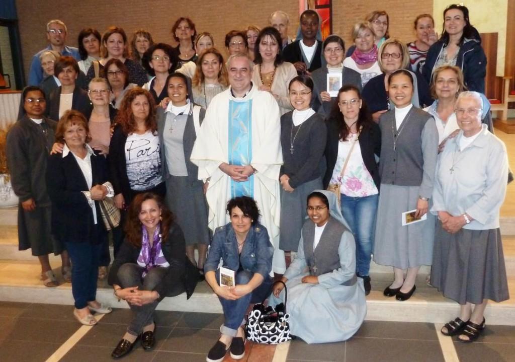 Mandato alle catechiste della parrocchia 31mag16 (3)